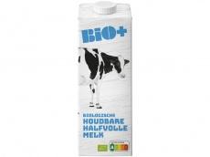 Biologische halfvolle melk houdbaar product foto