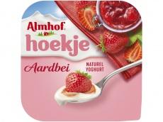 Hoekje aardbei yoghurt product foto