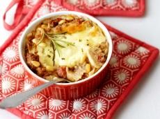 Lasagne met ragout van gehakt en champignons product foto